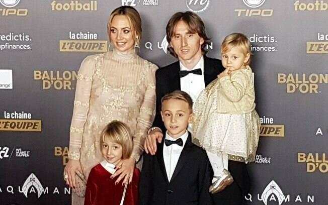 Modric com a família na premiação da Bola de Ouro