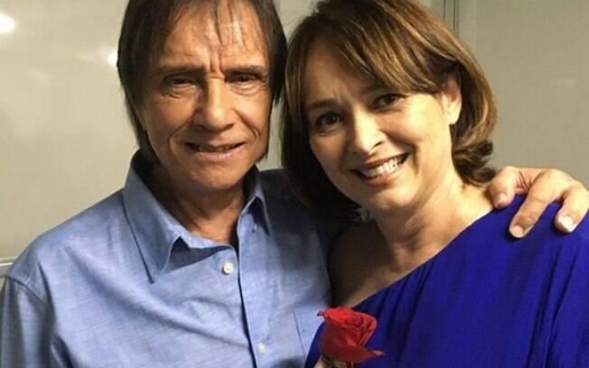 Roberto Carlos e sua ex-esposa Myrian Rios no cararim do show do Rei em São Paulo