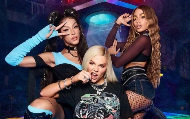 Pabllo Vittar, Luísa Sonza e Anitta em foto de divulgação do single