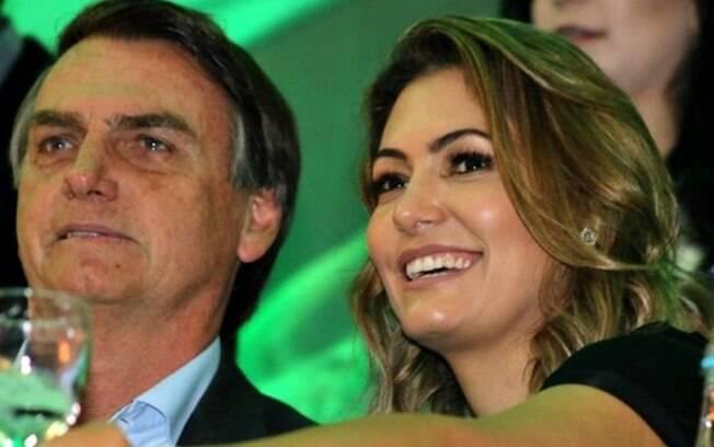 Michelle Bolsonaro e seu marido devem ir ao casamento de Onyx Lorenzoni nesta quinta-feira, em Brasília