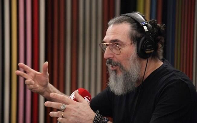 Cantor Lobão fala sobre possíveis críticas ao governo Bolsonaro e o convite para Ministro da Cultura