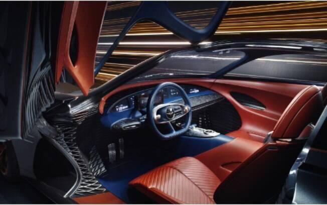 O conceito Essentia traz um interior sofisticado onde predominam alta tecnologia embarcada e total inovação digital