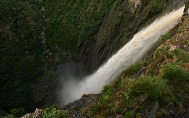 Cachoeira da Fumaça é a segunda maior queda d'água do Brasil