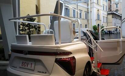 BMW doa carro elétrico i3 para o Papa Francisco no Vaticano