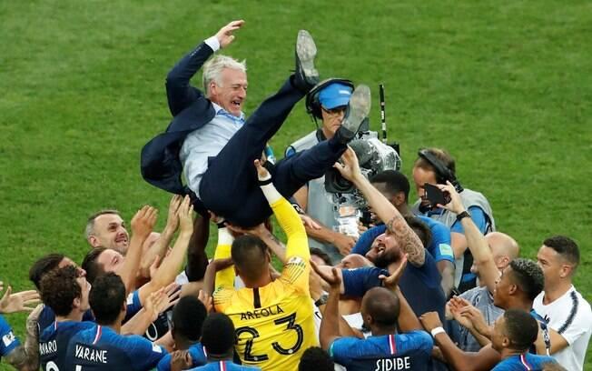 Didier Deschamps, campeão do mundo como jogador e treinador