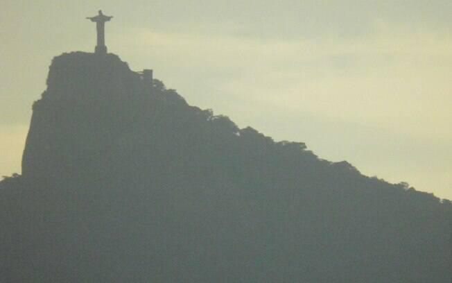 O Marina parte do Rio de Janeiro na hora do pôr do sol