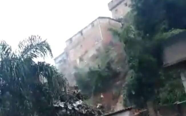 Deslizamento na região metropolitana de Belo Horizonte matou duas pessoas