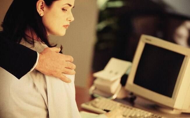 Vergonha e medo são alguns dos sentimentos mais comuns entre as vítimas de assédio sexual no trabalho