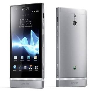 Com acabamento em alumínio, Xperia P é um dos novos smartphones da Sony para 2012
