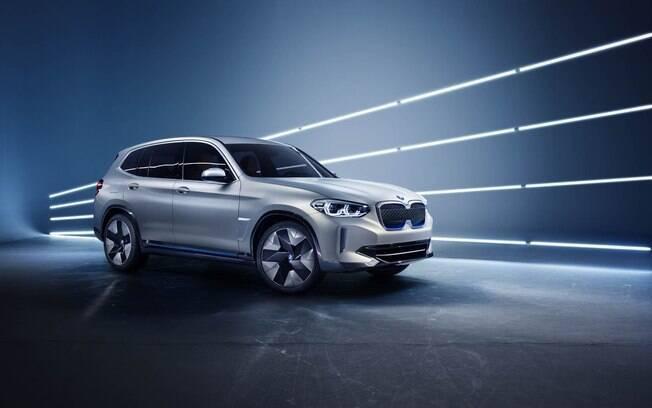 BMW iX3: baseado no X3, protótipo tem a última geração dos sistema elétricos da marca alemã
