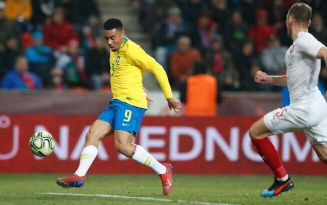 Gabriel Jesus marcou dois em amistoso da seleção brasileira contra a República Tcheca