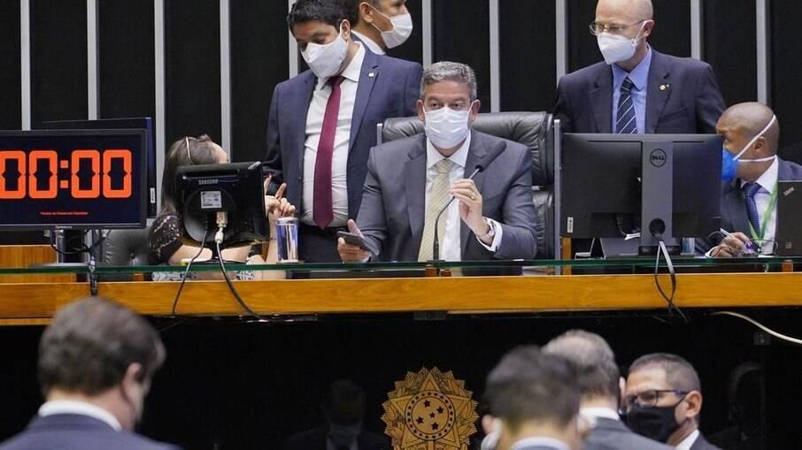Câmara deve discutir reforma do IR após o recesso parlamentar