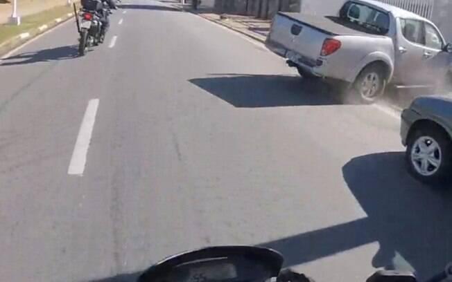 Perseguição a carro roubado termina em acidente em Campinas
