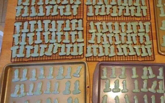 O pai compartilhou as fotos do biscoito nas redes sociais e rapidamente a publicação viralizou