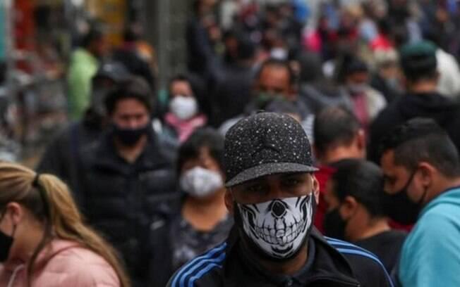 Pesquisa apontou que 8 milhões de brasileiros já se infectaram - muito menos do que mostram os oficiais