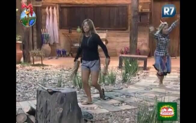 Raquel Pacheco e Anna Markun comemoram o feito da ex-garota de programa