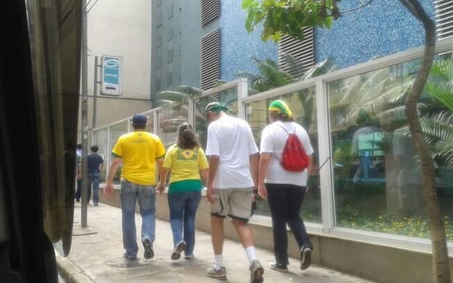 Protestantes vestidos com as cores da bandeira. Foto: Ana Flávia Oliveira/iG São Paulo