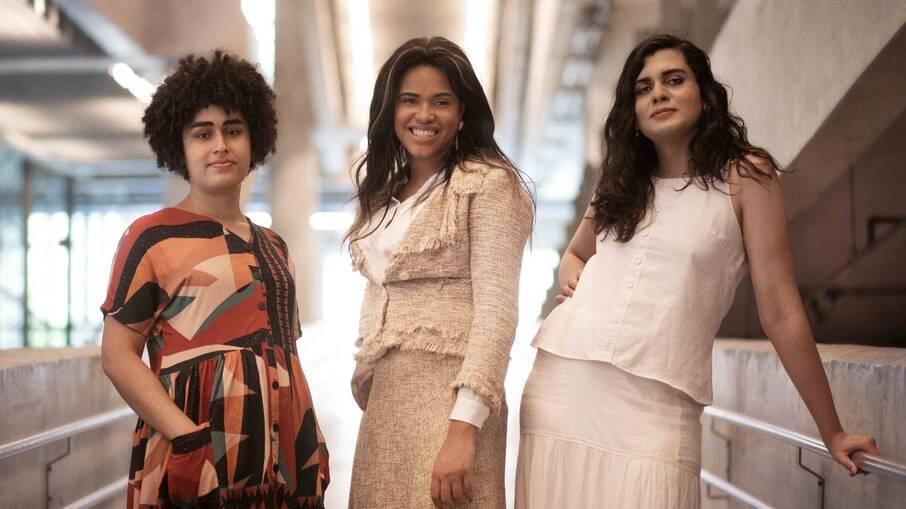 Júlia Pontes, Patrícia Borges e Bru Pereira são as fundadoras do Poupatrans. Elas fazem questão de dizer que o projeto é feito de trans para trans