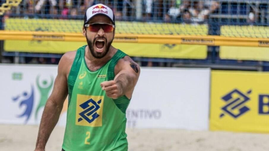 Campeão olímpico Bruno Schmidt
