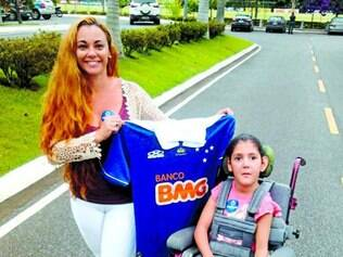 Patrícia Horta vai rifar camisa autografada ontem na Toca II