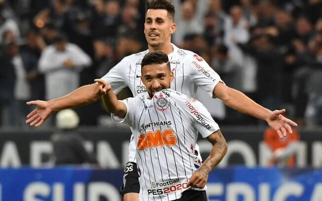 Clayson marcou o primeiro gol do Corinthians