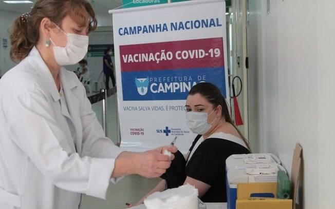 Campinas reabre agendamento da vacina para adultos