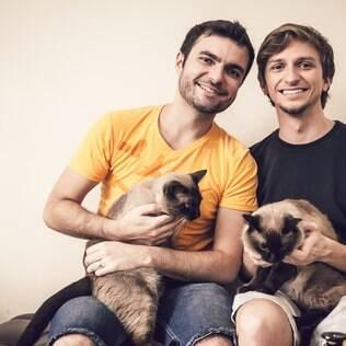 Bodas de papel: a vida de dois casais gays depois do casamento civil
