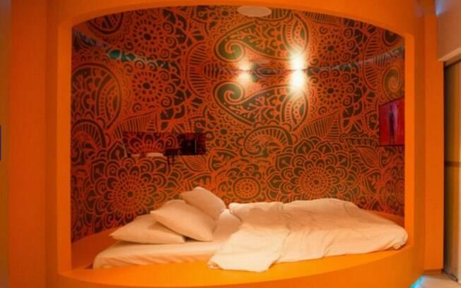 Detalhe da cama na suíte Lush Spa, Lush Motel