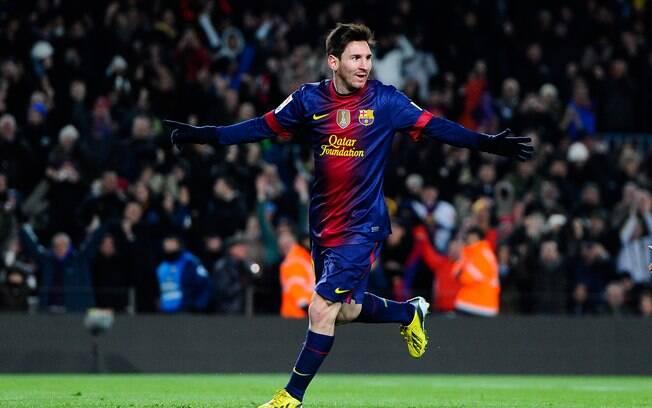 Lionel Messi comemora um de seus dois gols na  goleada do Barcelona sobre o Athletic de Bilbao