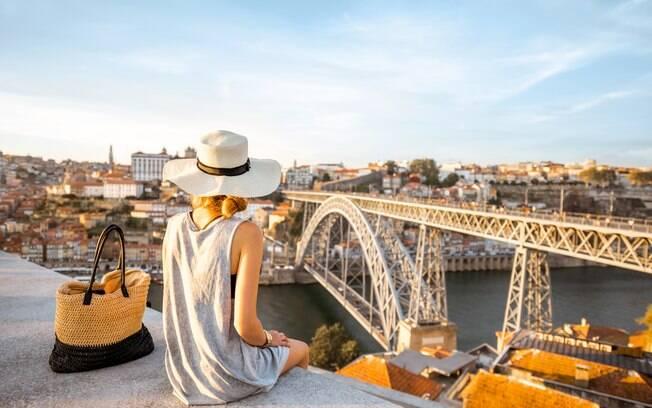 Quer viajar para Portugal e aproveitar as atrações do país? Saiba quais documentos você não pode deixar de levar