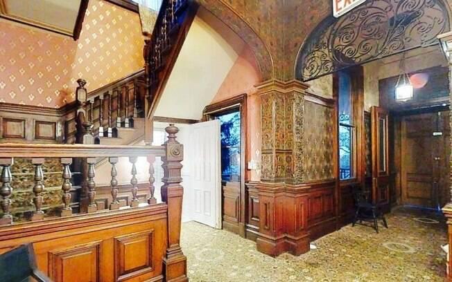 Apesar de ter sido utilizada como restaurante e local para eventos, boa parte da decoração original foi mantida