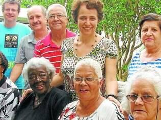 Voz da sabedoria.  Antigos moradores de Contagem compartilharam suas histórias com o grupo Trama