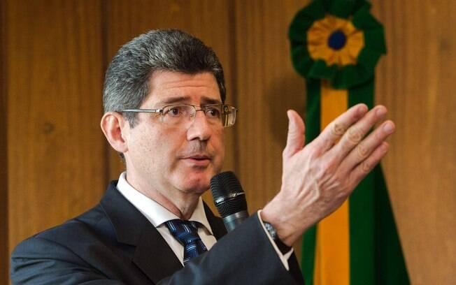 Além de Guedes e Bolsonaro, Joaquim Levy, Rubem Novaes e Pedro Guimarães estão presentes na cerimônia de posse