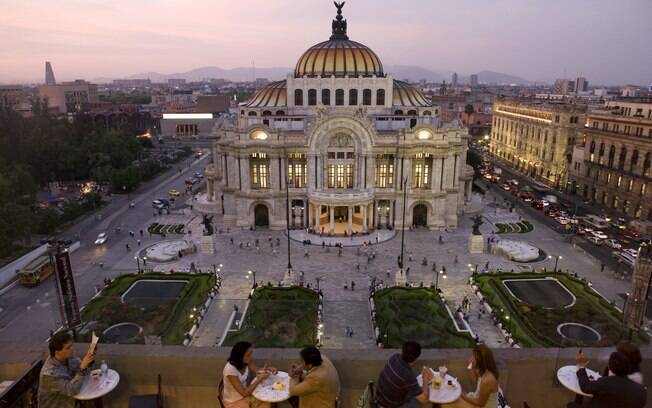 Palácio Bellas Artes, na cidade do México. O lugar abriga exposições e espetáculos de ópera, balé e concertos