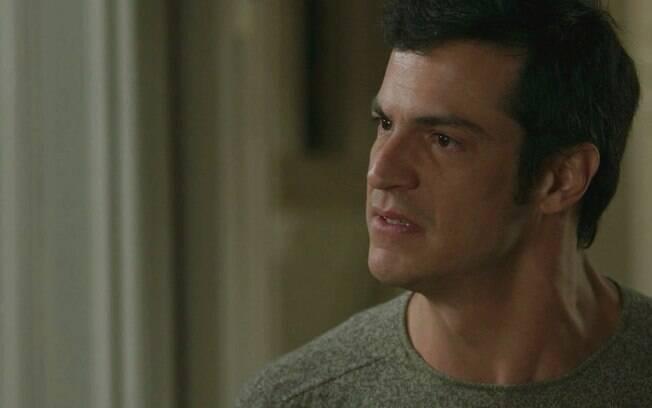 """Pega Pega – Maria Pia vê fantasma do passado, se desespera e cobra Eric: """"É a única forma"""""""