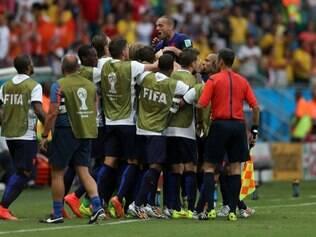 Holandeses comemoram gol de empate