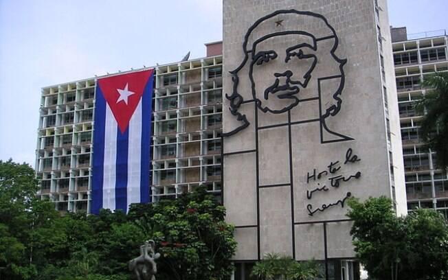 Em Santa Clara, cidade de Cuba, há um mausoléu em homenagem ao argentino Ernesto Che Guevara