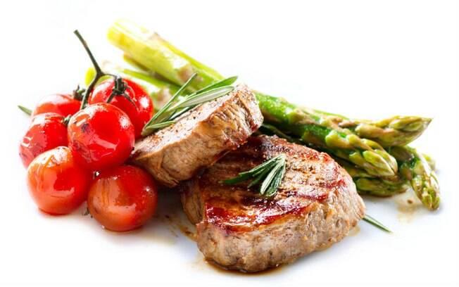 Carnes e vegetais são alimentos afrodisíacos por estimular a produção de dopamina e testosterona