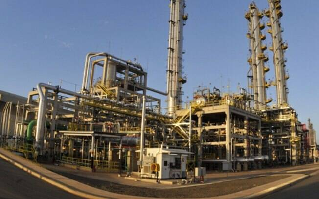 Em 1º de janeiro deste ano, o preço do litro da gasolina nas refinarias era de R$ 1,5087, mais de 28% abaixo do valor atual