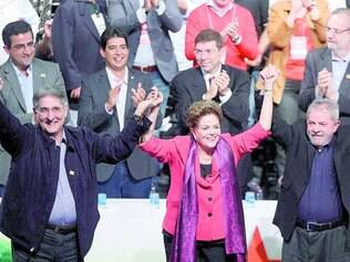 Unidos. Pimentel, Dilma e Lula atacaram as gestões tucanas em Minas e na Presidência