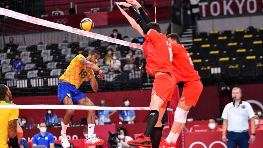 Brasil não joga bem e perde para Rússia