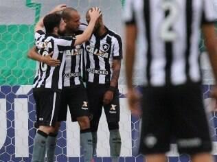 Botafogo venceu a Chapecoense fora