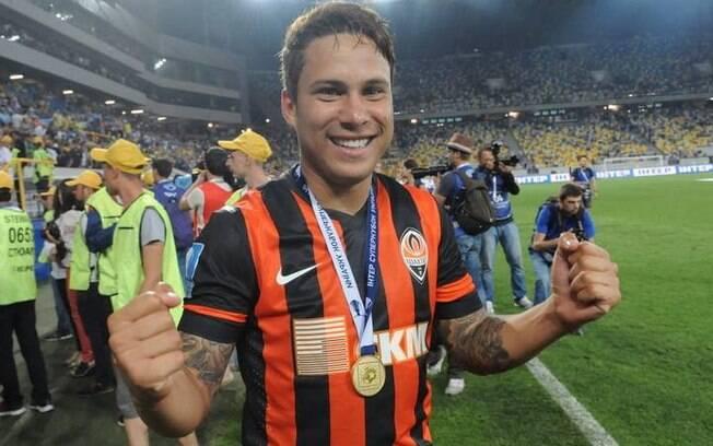 A torcida do São Paulo não aguentava mais ver Marlos em campo. O jogador agora brilha com gols no Shakhtar Donetsk