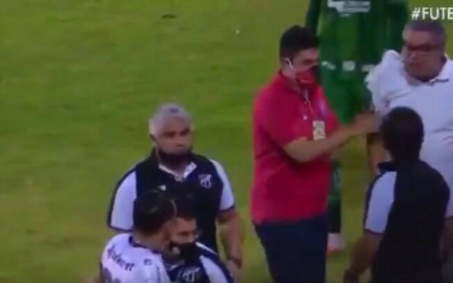 Presidente do Vitória invadiu gramado para ameaçar jogador