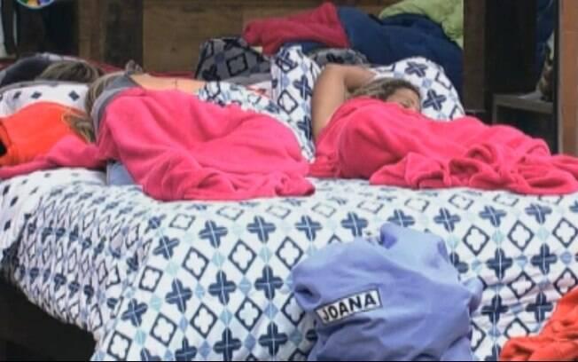 Joana Machado e Valesca Popozuda estão dormindo desde a hora do almoço