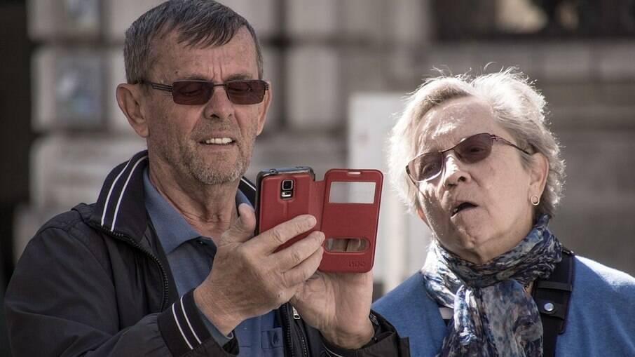 Aposentados com mais de 65 anos têm dupla isenção no IR 2021