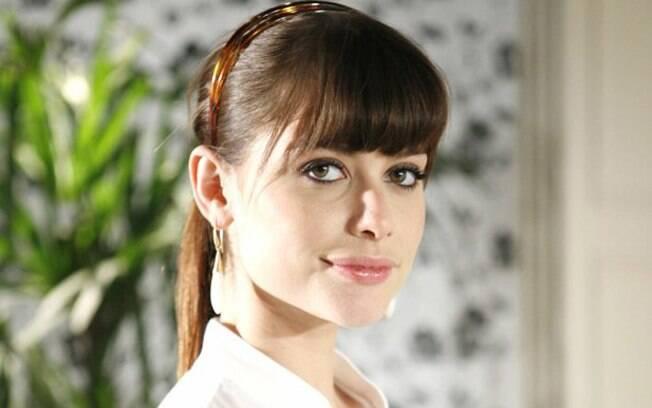 Alinne Moraes como Sílvia em