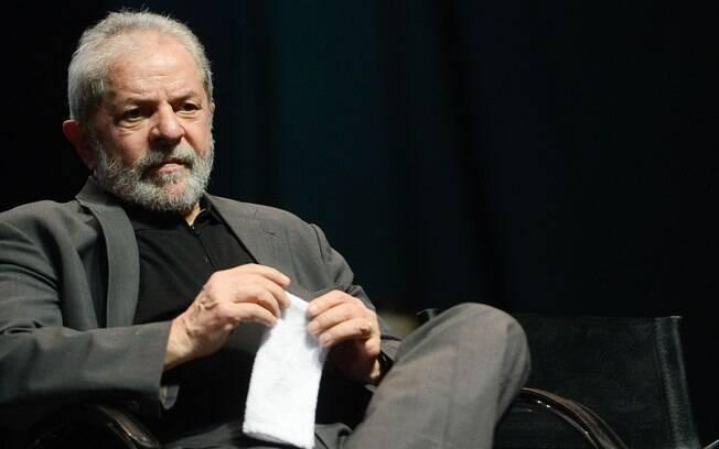 Lula criticou a intervenção federal adotada pelo governo Temer no Rio de Janeiro e a chamou de 'espectáculo'