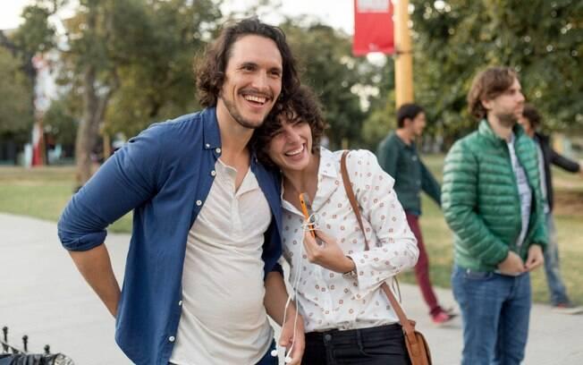 Amanda (Julia Konrad) e Diego (Juan Sorini) estrelam o segundo episódio de