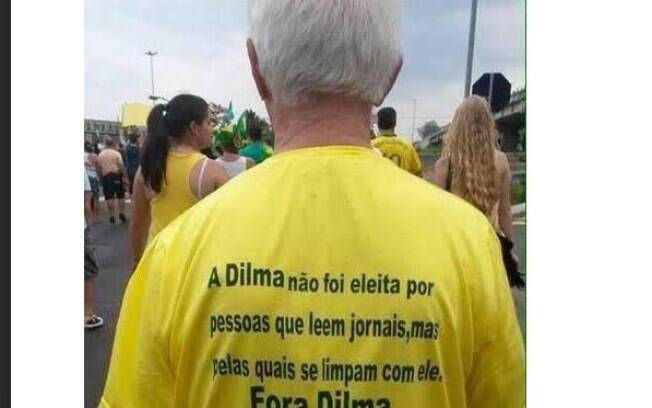 Camiseta de manifestante pró-impeachment vira símbolo do preconceito e da divisão de classes